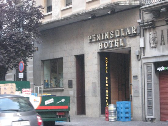 Hotel Peninsular: front of hotel