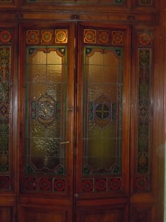 Hotel Desiree: Beautiful door