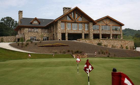 The Ridges Golf Club: Beautiful amenities accompanying excellent golf