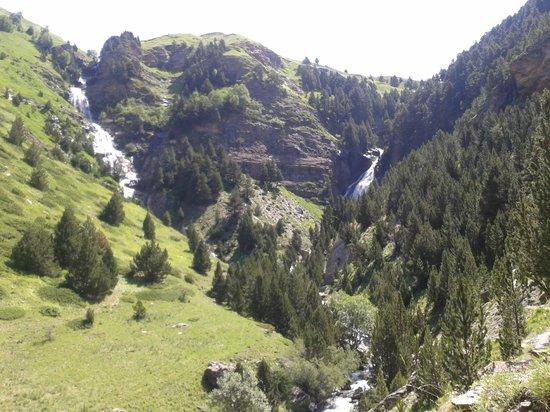Hotel y Apartamentos Cerler Edelweiss: Ruta circular de las tres cascadas en Cerler