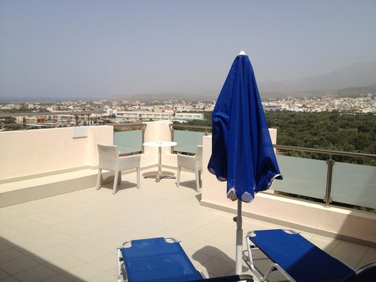 jacuzzi suite balcony picture of matheo hotel malia tripadvisor. Black Bedroom Furniture Sets. Home Design Ideas