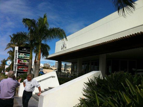 Marina Mirage : outside view