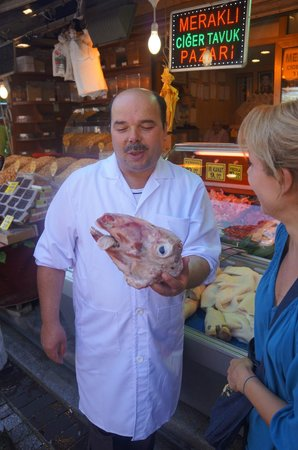 Turkish Flavours : Food Vendor playing tricks on Taji