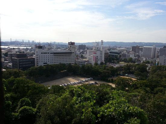Tokyu Inn Wakayama : View of Hotel from Wakayama Castle