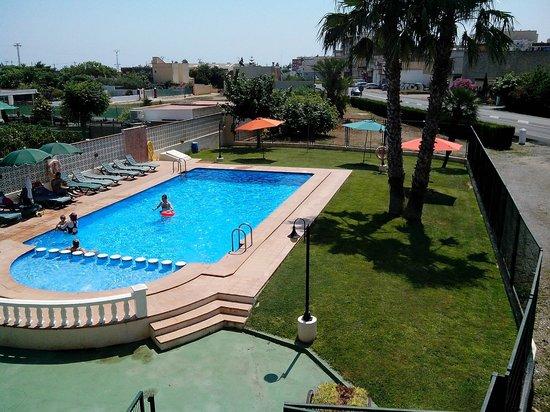 Desde nuestra ventana obr zek za zen hotel sol for Piscina benicarlo