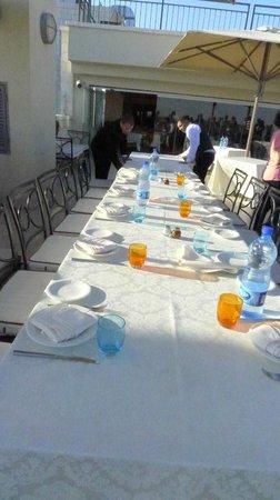 Meejana Lounge : our table