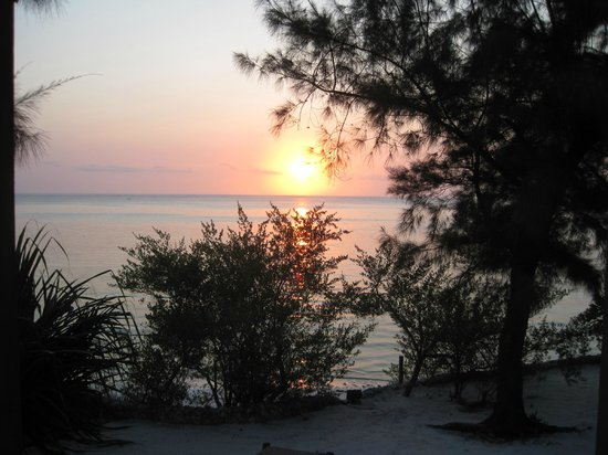 Seasons Lodge Zanzibar: sunrise from our villa