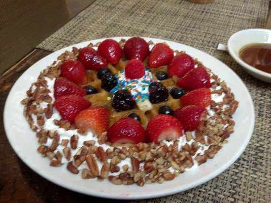 Hilton Anatole: Special waffle from Simmie at the Terrace Restaurant