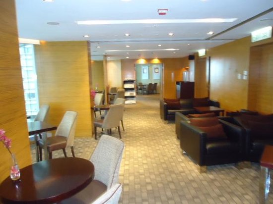 Hotel Panorama by Rhombus: Executive Lounge 1 with snacks and unlimited drinks
