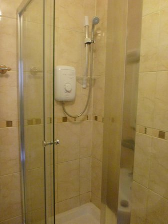 Heatherbank Guesthouse: Shower