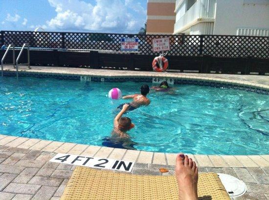 Palm Beach Oceanfront Inn: pool