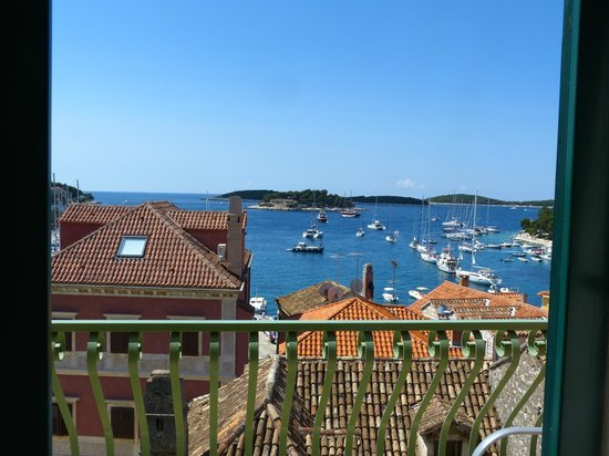 Hotel Park Hvar : View from suite..