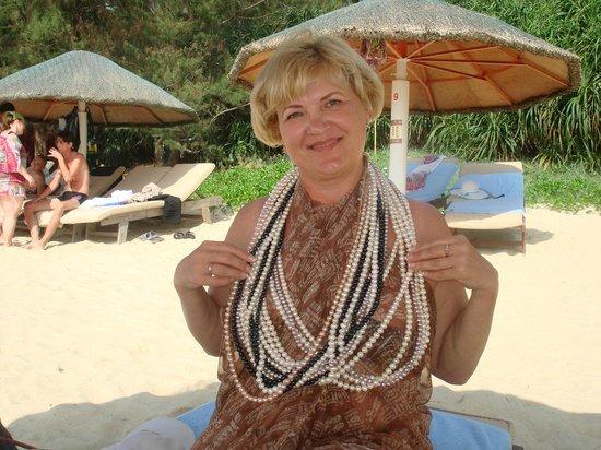 Dragon Bay Hotel: на пляже