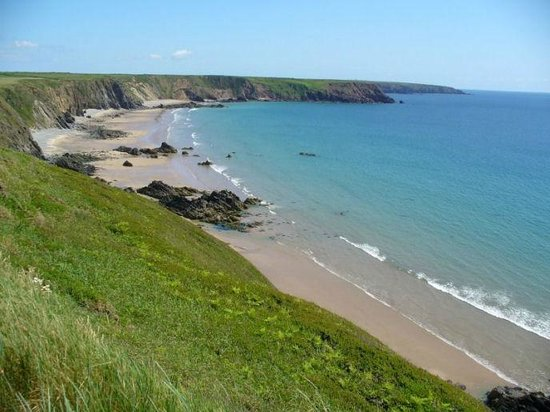 North Headborough Bed and Breakfast: Marloes sands