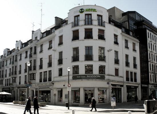 B&B Hôtel Dijon Centre: facade exterieure