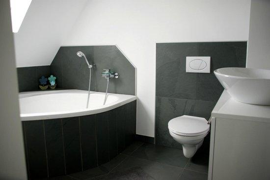 A l'Ancien Couvent de Petra : salle de bain clocher
