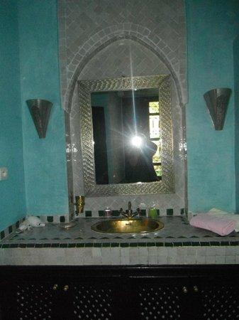 Dar el Souk: Bathroom