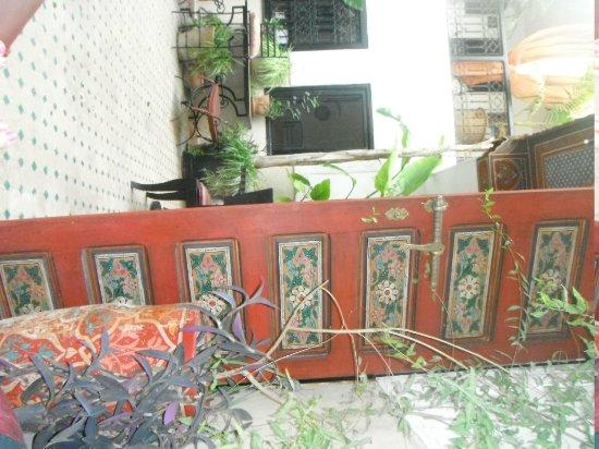 Dar el Souk: Outside room