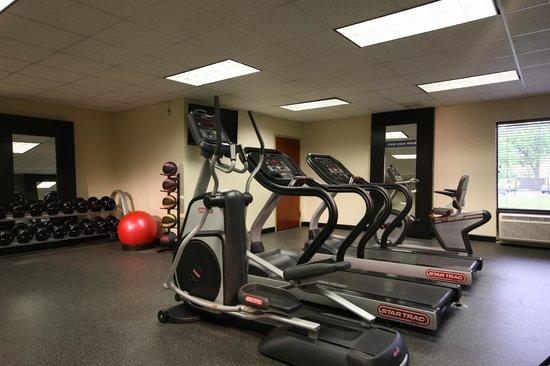 Hampton Inn Woodbridge: Fitness Center