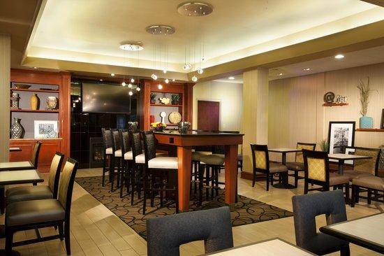Hampton Inn Woodbridge: Lobby