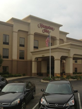 Hampton Inn Belle Vernon: Property front