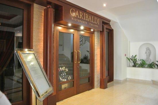 Alexander The Great Beach Hotel: Italian Restaurant