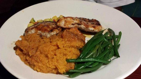 Jerk Chicken Mashed Sweet Potatoes Green Beans Picture Of Bahama Breeze Orlando Tripadvisor