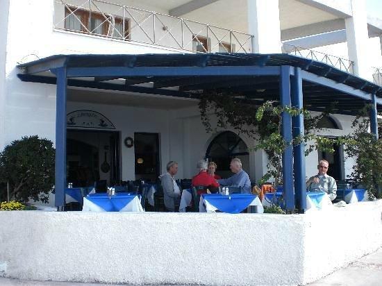 Imerovigli Tavern: Ευχαριστημένοι πελάτες