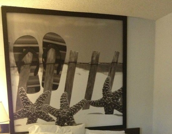 Kings Inn Anaheim: Wall decoration in room