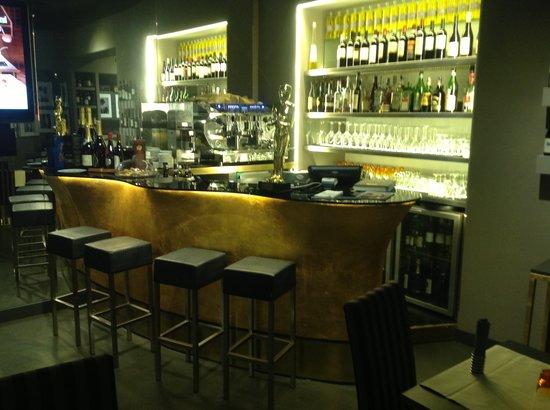 Al Plaza : Bancone