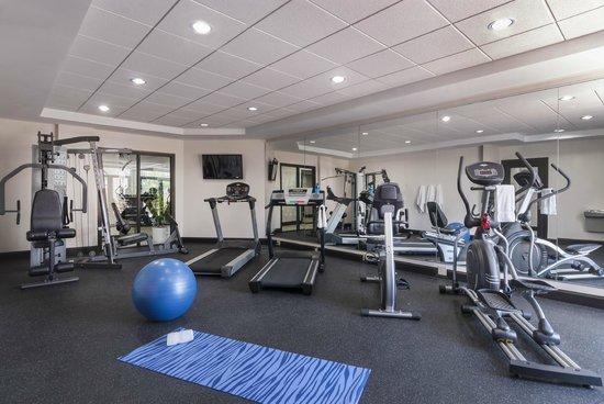 Best Western Plus JFK Inn & Suites: Fitness Center
