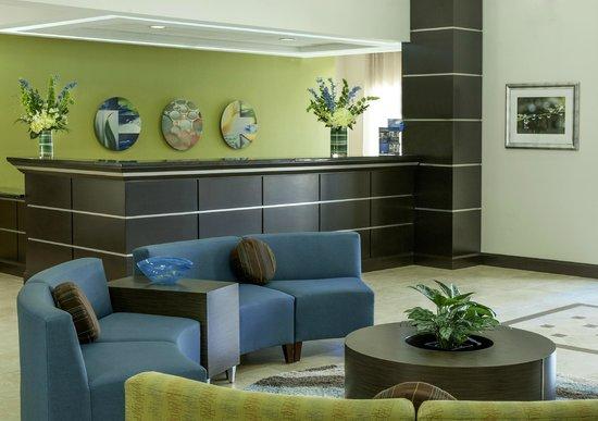 Best Western Plus JFK Inn & Suites: Reception Desk