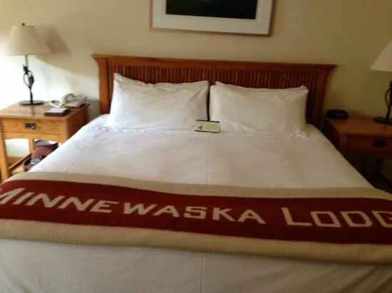 Minnewaska Lodge: Comfy bed