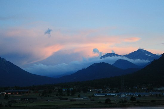 The Estes Park Resort: A morning view