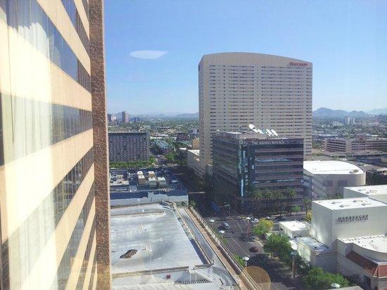 Hyatt Regency Phoenix: Next door hotel Sheraton
