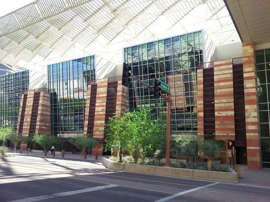 Hyatt Regency Phoenix: Convention center