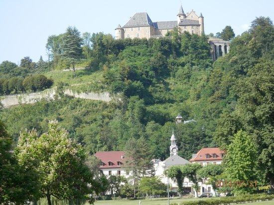 Grand Hotel et Spa Uriage: la vue depuis la chambre