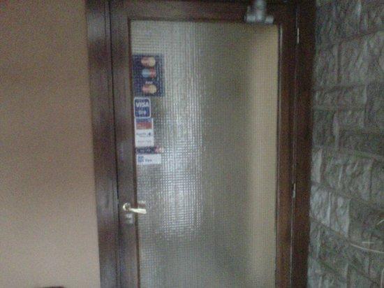 Biarritz Hotel B&B: Segunda puerta, una vez que se ingresa por la principal