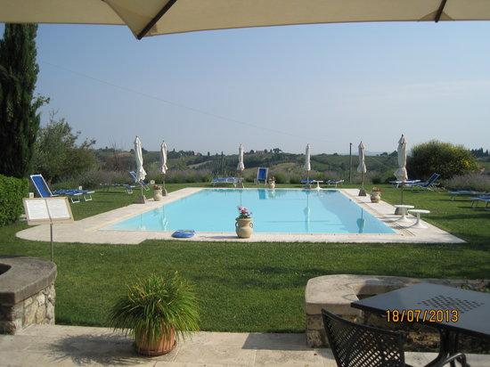 B&B Ponte a Nappo: Swimming pool at Ponte A Nappo