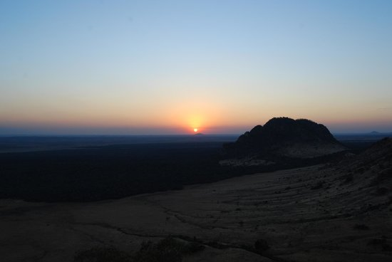 Campi ya Kanzi: Sunset Sundowner