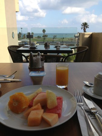 Dan Panorama Tel Aviv: Healthy breakfast option from the excellent buffet