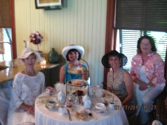 Stetson Mansion : High Tea in the School House.
