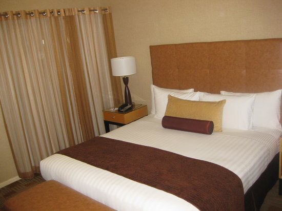 Elan Hotel: standard king room