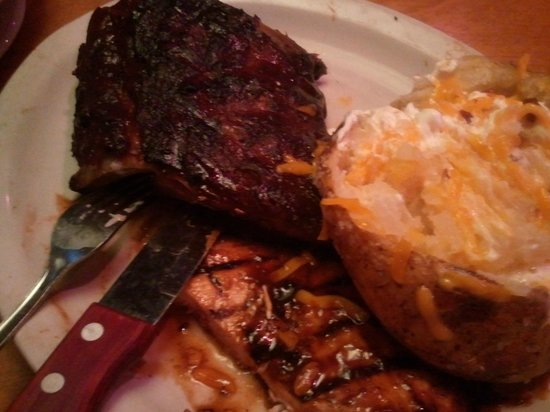 Texas Roadhouse: Ribs, chicken and loaded baked potato