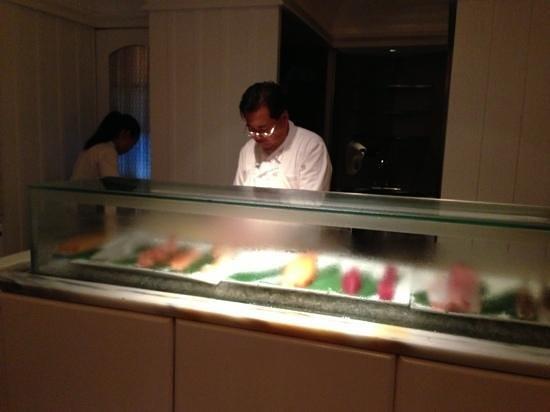 Umi Sushi & Sake Bar : chef