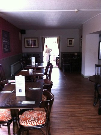 The Nags Head York: Dining area