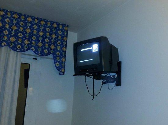 Hotel Brioni Mare: tv da cambiare