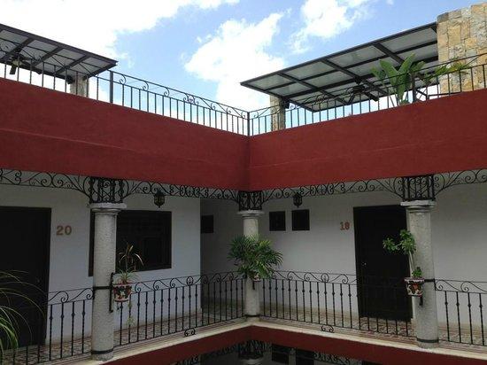 hotel colonial la aurora : Los techos de la terraza...