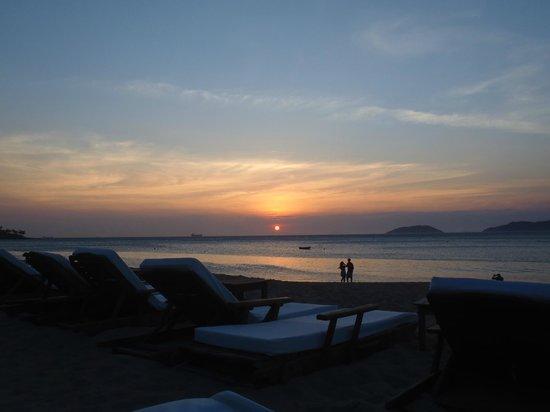 DPNY Beach Hotel & Spa: Pôr do sol na praia