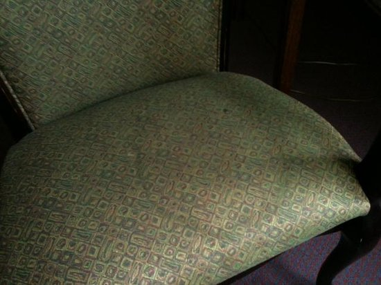 Lambuth Inn: chair in room